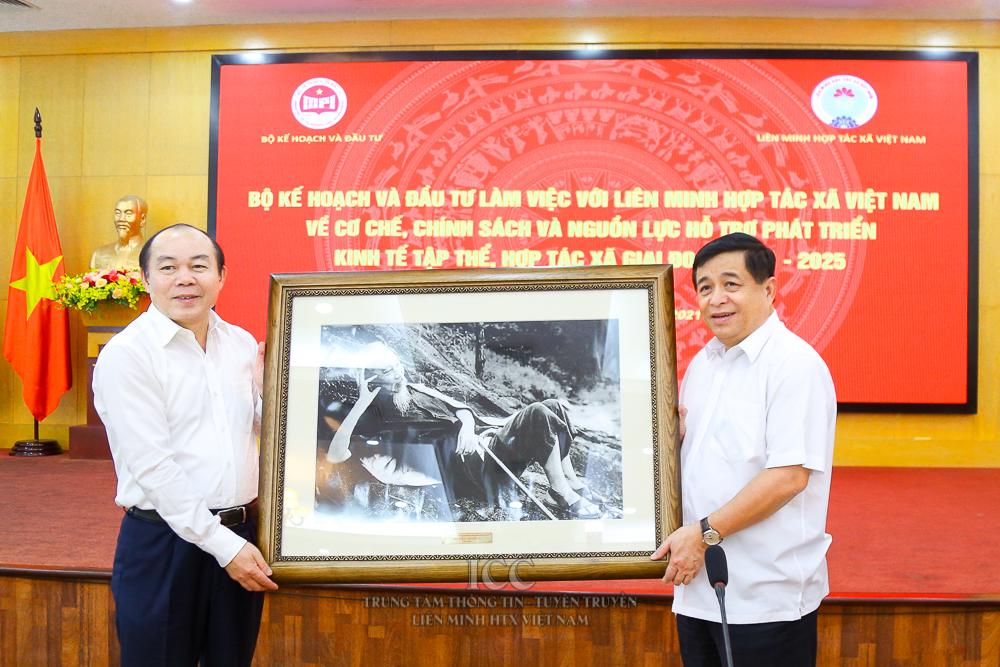 Bộ Kế hoạch và Đầu tư và Liên minh Hợp tác xã Việt Nam làm việc về cơ chế, chính sách phát triển kinh tế tập thể, hợp tác xã giai đoạn 2021-2025
